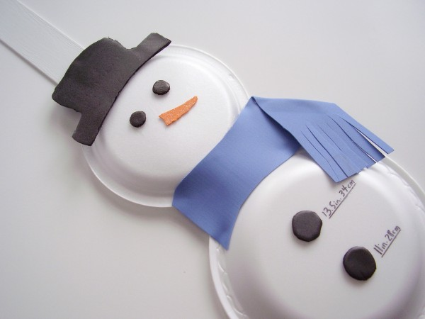 Snowman craft using recycled foam trays