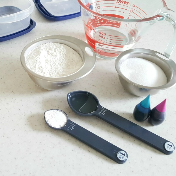 Homemade play dough recipe ingredients