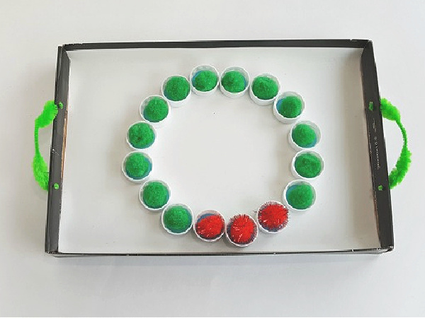 Christmas wreath art and math activity for kids