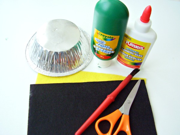 Supplies for a leprechaun hat craft for kids