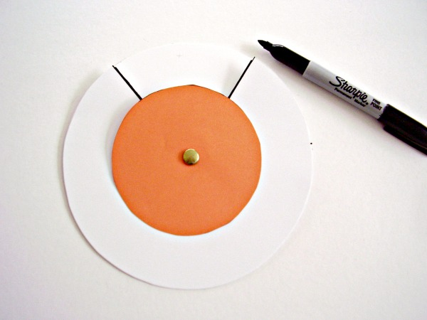 Halloween jack-o-lantern craft for kids