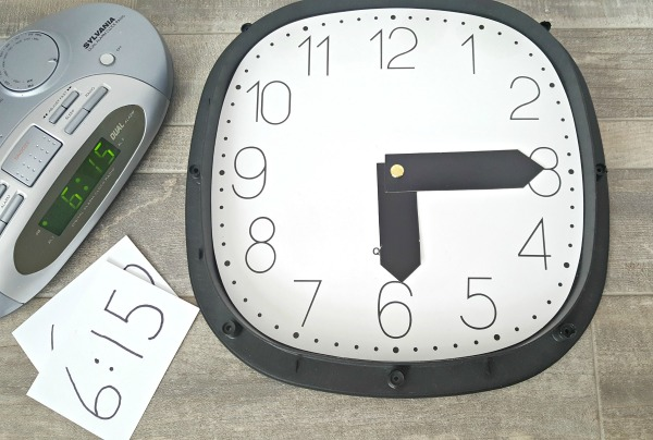 Explore numbers and time with clocks