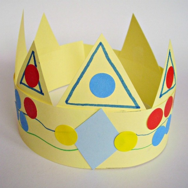 Paper crown kids can make for imaginative play kings and queens