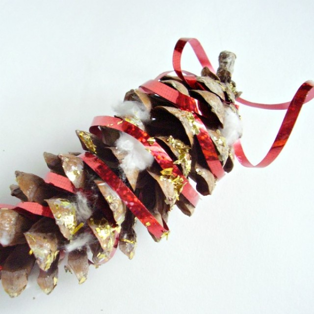 Pine cone ornament craft for preschoolers