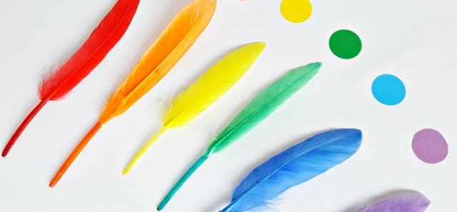 Rainbow craft with feathers for toddler and preschooler