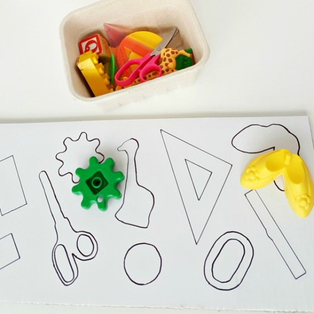 Shape recognition preschool matching activity