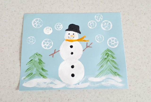 Snowman painting activity with Christmas book - Preschool Toolkit