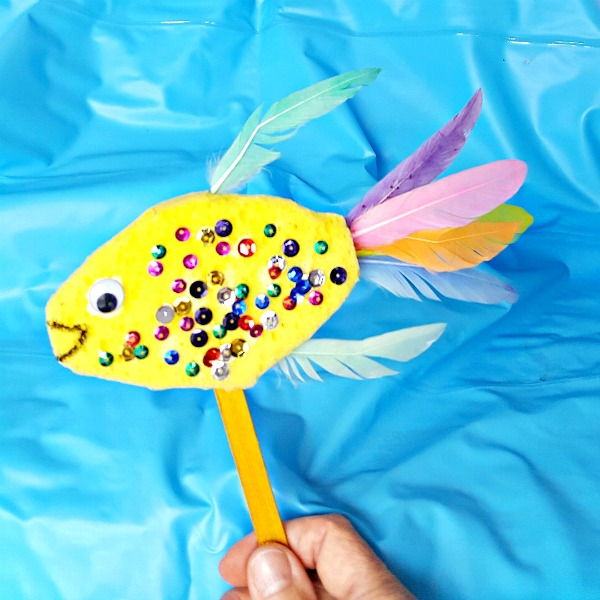 Sponge fish puppet kids craft