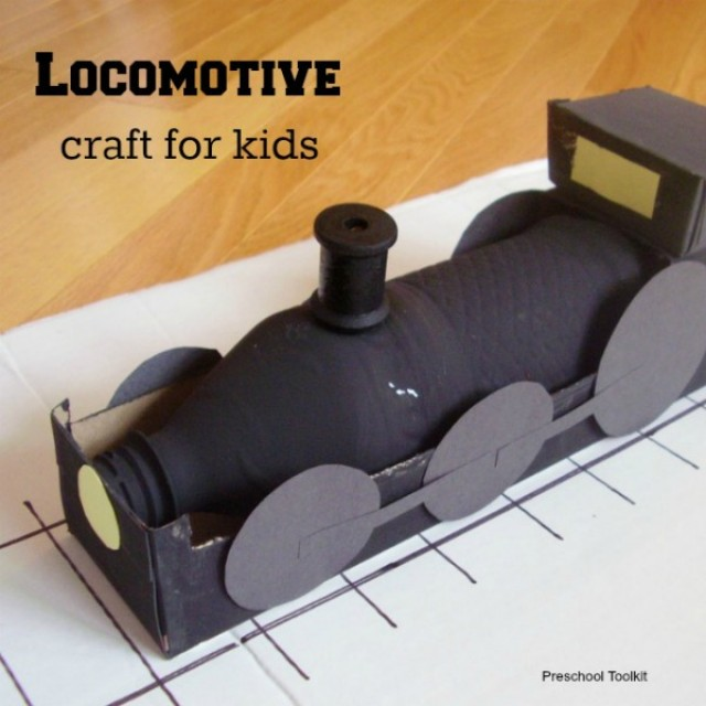 Train locomotive preschool craft using recyclables