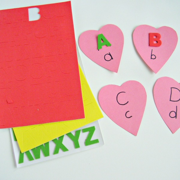 Valentine hearts literacy activity for preschoolers