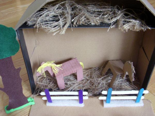 Shoe box farmyard activity for preschoolers small world play