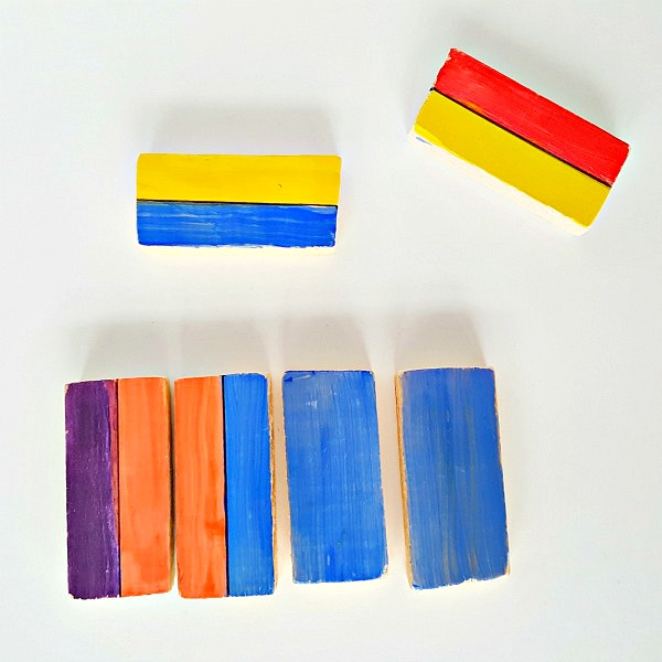 Wood blocks painting and sorting math