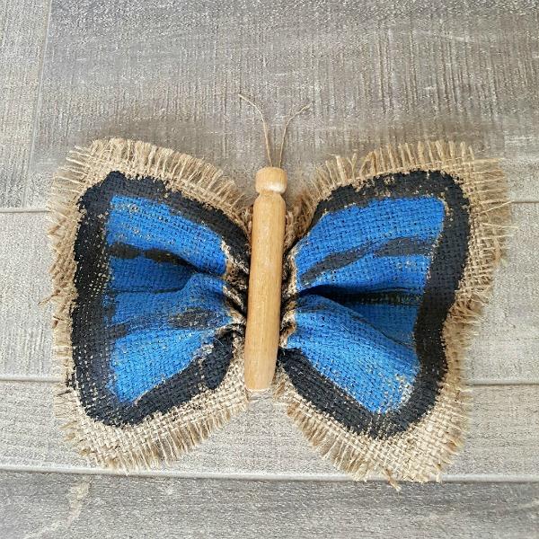Butterfly Preschool Craft Using Burlap » Preschool Toolkit