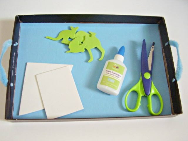 box lid craft tray for easy setup of preschool activities