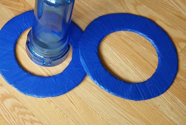 Make a ring toss game using recycled materials for indoor or outdoor family fun - Preschool Toolkit