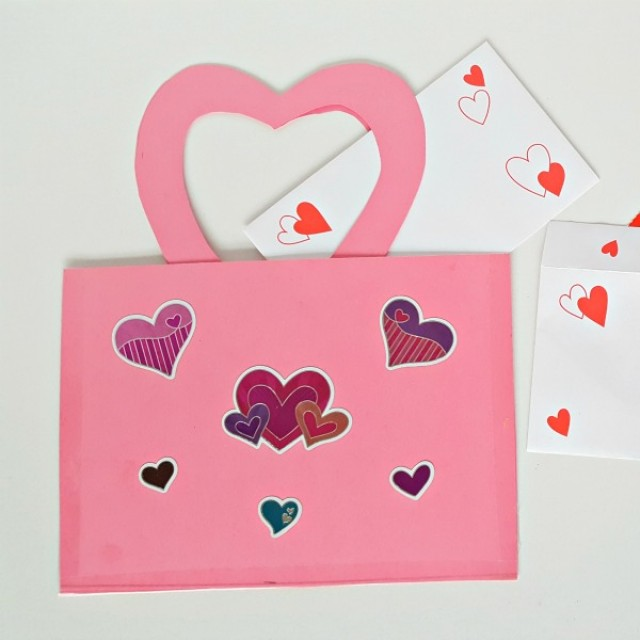 preschool Valentine mailbag craft and pretend play activity