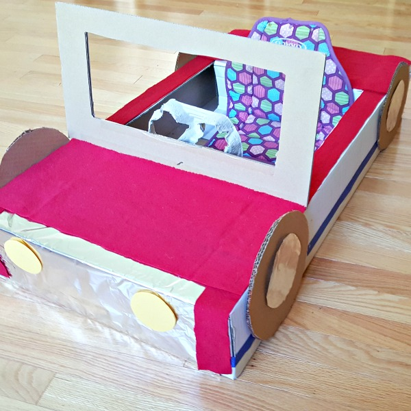 Cardboard box roadster to make for kids pretend play