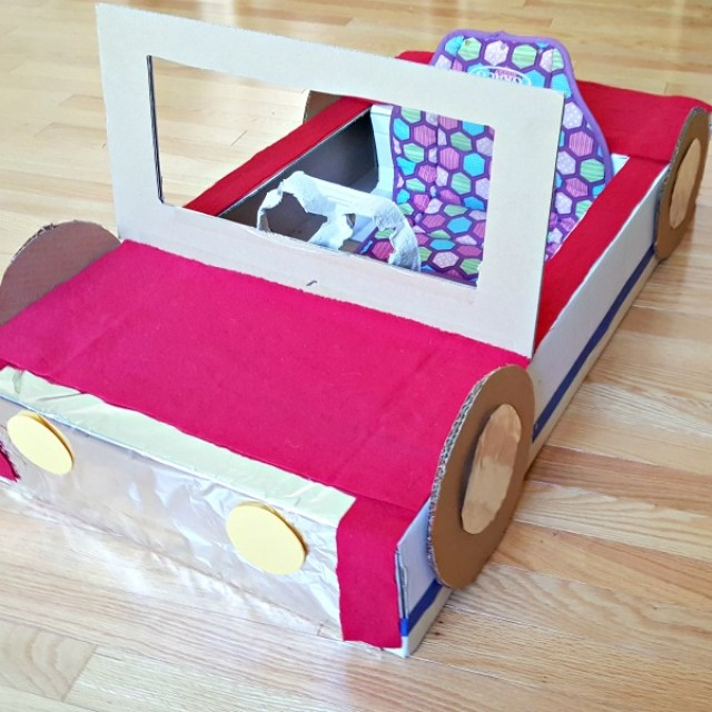 Recycle a cardboard box to make a roadster car for kids pretend play
