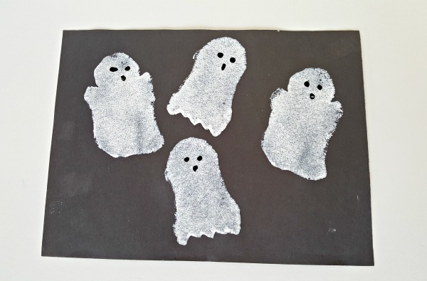 Sponge painted ghosts preschool Halloween activity